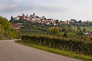 Piemonte, (CN) Vista di Neive, uno dei borghi più belli d'Italia.