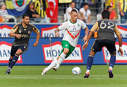 23.08.2011, Osnatel Arena, Osnabrueck, GER, FSP, Werder Bremen (GER) vs Fenerbahce Istanbul /TUR) im Bild Marko Arnautovic (Werder Bremen AUS #7) vs Selcuk Sahin  (Istanbul #62), links ist André Santos (Istanbul #27) // during friendly match Werder Bremen (GER) vs Fenerbahce Istanbul (TUR)  on 2011/08/23, Osnatel Arena,  Osnabrueck   EXPA Pictures © 2011, PhotoCredit: EXPA/ nph/  Scholz       ****** out of GER / CRO  / BEL ******