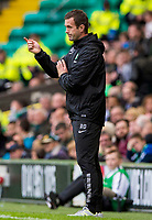 05/10/14 SCOTTISH PREMIERSHIP<br /> CELITC v HAMILTON<br /> CELTIC PARK - GLASGOW<br /> Celtic manager Ronny Deila gives out intructins from the dugout
