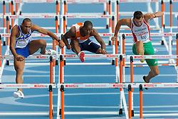 29-07-2010 ATLETIEK: EUROPEAN ATHLETICS CHAMPIONSHIPS: BARCELONA <br /> De horde waar Gregory Sedoc door de Griek Konstandinos Douvalidis wordt gehinderd<br /> ©2010-WWW.FOTOHOOGENDOORN.NL