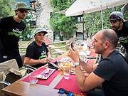 Bernard Hinault coach des cyclistes du team SKODA  amateur  pour participer a l'étape du tour quelques jours avant le tours de France 2017<br /> Déjeuner samedi midi avec le deuxième coach Jérôme Pineau