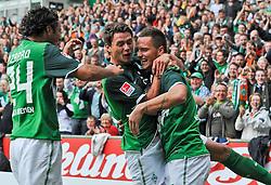 28.08.2010, Weserstadion, Bremen, GER, 1. FBL, Werder Bremen vs 1. FC Köln / Koeln, im Bild Jubel bei Marko Marin (Bremen #10), Claudio Pizarro (Bremen #24), Sebastian Boenisch (Bremen #2) und dem Torschuetzen Marko Arnautovic (Bremen #7, rechts)   EXPA Pictures © 2010, PhotoCredit: EXPA/ nph/  Frisch+++++ ATTENTION - OUT OF GER +++++ / SPORTIDA PHOTO AGENCY