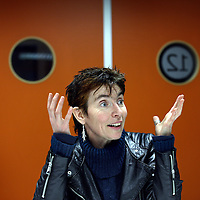 Nederland, Utrecht , 30 januari 2012..Erna Smeekens, de bijstandsmoeder die donderdag in de tendentieuze Netwerk-uitzending begon te huilen toen ze de VVD-plannen onder ogen kreeg, is niet te spreken over de uitzending. Sterker: ze heeft zelfs sympathie voor de partij van Mark Rutte..Erna Smeekens en samen met Ivonne Meeuwsen en Caroline van Rooy hebben wij in 2009 vanuit onze bijstands- en voedselbankpositie Tientjes opgericht. De drijfveer achter Tientjes: elk mens heeft een talent, kan iets en wil iets waar die goed in is. Veel mensen zijn om welke reden dan ook op de bank of achter de geraniums terecht gekomen. Leven geïsoleerd, doen niet meer mee. Deze groep groeit dagelijks door van alles wat er momenteel in de maatschappij gebeurt. .Foto:Jean-Pierre Jans