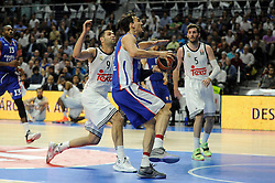 15.04.2015, Palacio de los Deportes stadium, Madrid, ESP, Euroleague Basketball, Real Madrid vs Anadolu Efes Istanbul, Playoffs, im Bild Real Madrid´s Felipe Reyes and Anadolu Efes´s Dario Saric // during the Turkish Airlines Euroleague Basketball 1st final match between Real Madrid vand Anadolu Efes Istanbul t the Palacio de los Deportes stadium in Madrid, Spain on 2015/04/15. EXPA Pictures © 2015, PhotoCredit: EXPA/ Alterphotos/ Luis Fernandez<br /> <br /> *****ATTENTION - OUT of ESP, SUI*****