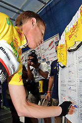 11.07.2010, AUT, 62. Österreich Rundfahrt, 8. Etappe, Podersdorf-Wien, im Bild Riccardo Ricco (ITA, Ceramica Flaminia), EXPA Pictures © 2010, PhotoCredit: EXPA/ S. Zangrando / SPORTIDA PHOTO AGENCY