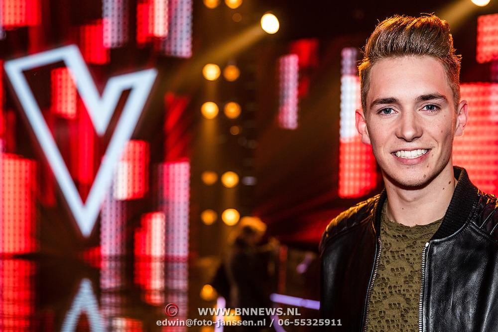 NLD/Hilversum/20170120 - 2de liveshow The Voice of Holland 2017, Thijs Pot