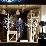 Vetrina di una boutique a #Chelsea a Londra<br /> <br /> A fashion shop window in #Chelsea in London<br /> 