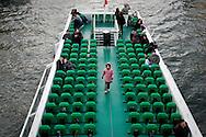 Un battello sulla Senna. A boat on the Seine