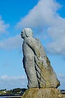 France, Finistère (29), Plouguerneau, statue au point de vue de Kelerdut sur l'ile Vierge // France, Briitany, Finistere, Ile Vierge