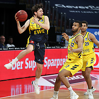 #12 Robert Drijencic von Baskets Oldenburg , #32 Johannes Thiemann von Alba Berlin   , #25 Kenneth Ogbe von Alba Berlin   <br /> Basketball, nph0001 1.Bundesliga BBL-Finalturnier 2020.<br /> Halbfinale Spiel 2 am 24.06.2020.<br /> <br /> Alba Berlin vs EWE Baskets Oldenburg <br /> Audi Dome<br /> <br /> Foto: Christina Pahnke / sampics  / POOL / nordphoto<br /> <br /> National and international News-Agencies OUT - Editorial Use ONLY