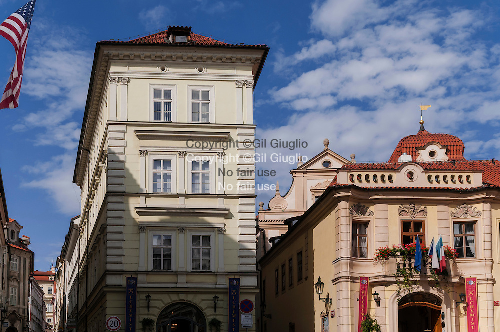 République Tchèque, Prague,  Hradcany et Mala Strana, rue Bretislavova Trziste, à gauche l'ambassade des USA // Czech Republic, Prague Hradcany and Mala Strana, Bretislavova Trziste street, at left, the USA Ambassy