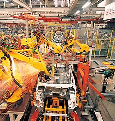 Fabrica da Peugeot-Citroen em Porto Real, Rio de Janeiro, com 150.000 m2. Fabrica da Peugeot-Citroen no Brasil. No Brasil encontram-se instalados os maiores fabricantes mundiais, como Ford, GM (Chevrolet), Volkswagen, Fiat, Peugeot, Citroen, Mercedes-Benz, Renault etc, e tambem alguns fabricantes nacionais emergentes, como a Troller, Marcopolo, Agrale, Randon, dentre outros. A industria brasileira possui entidades reguladoras e representativas como a Associacao Nacional dos Fabricantes de Veiculos Automotores (Anfavea), fundada em 1956, e que reune empresas fabricantes de autoveiculos e máquinas agricolas automotrizes. A Anfavea eh filiada a Organisation Internationale des Constructeurs d'Automobiles (OICA), com sede em Paris./ Peugeot-Citroen industry in Brazil. The biggest automotive industries are in Brazil, like Ford, GM (Chevrolet), Volkswagen, Fiat, Peugeot, Citroen, Mercedes-Benz, Renault etc, and also some emerging brazilian producers, like Troller, Marcopolo, Agrale, Randon among others. Brazil has regulators entities as Anfavea, founded in 1956 that assembles the industries. Anfavea is affiliated to the OICA (Organisation Internationale des Constructeurs d'Automobiles) established in Paris.