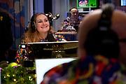 HILVERSUM, 13-12-2020 , Studio 538<br /> <br /> Vandaag start radio 538 met 'Missie 538' voor de voedselbank. Van 14 tot en met 18 december zetten de dj's van 538 alles op alles om zoveel mogelijk mensen te helpen. <br /> <br /> Op de foto: Hannelore Zwitserlood