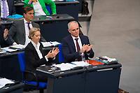 DEU, Deutschland, Germany, Berlin, 21.11.2018: Die Vorsitzende der AfD-Bundestagsfraktion, Alice Weidel, und Thomas Ehrhorn (MdB, Alternative für Deutschland, AfD) während einer Plenarsitzung im Deutschen Bundestag.