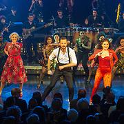 NLD/Utrecht/20171029 - Premiere Musical On Your Feet, Jim Bakkum, Vajen van den Bosch en Ellen Evers