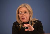 DEU, Deutschland, Germany, Berlin, 14.12.2015: Marie-Pierre Poirier, UNICEF-Koordinatorin für die Flüchtlingskrise in Europa, in der Bundespressekonferenz zum Thema Schutz und Unterstützung für Flüchtlingskinder in Deutschland.