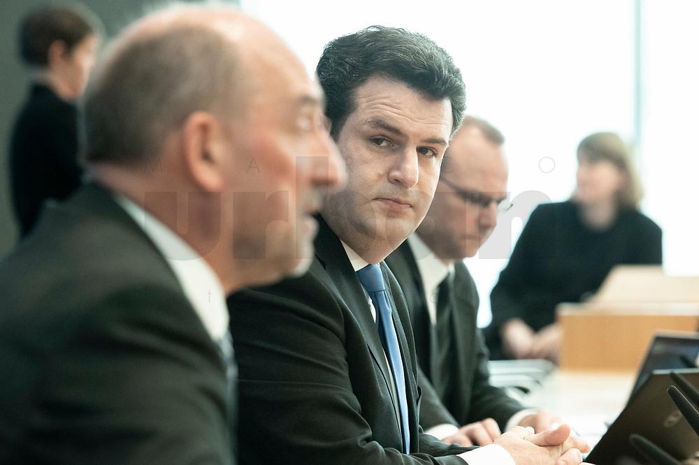"""31 MAR 2020, BERLIN/GERMANY:<br /> Detlef Scheele (L), Vorsitzender des Vorstandes der Bundesagentur für Arbeit, und Hubertus Heil (R), SPD, Bundesarbeitsminister,. waehrend einer Pressekonferenz zum Thema """"Zur Lage am deutschen Arbeitsmarkt"""" waehrend der Corona-Krise, Bundespressekonferenz<br /> IMAGE: 20200331-01-026<br /> KEYWORDS: BPK"""