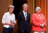 UTRECHT - Pat Peters, Ernst van der Pas en Ineke Blok worden onderscheiden  . Algemene Ledenvergadering  KNHB bij de Rabobank in Utrecht. . COPYRIGHT KOEN SUYK