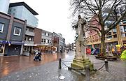 Nederland, Kerkrade, 2-2-2018Straatbeeld Kerkrade.  Markt met Heilig hartbeeld.Foto: Flip Franssen