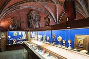 Schatzkammer der Stiftskirche St. Waltrudis, Mons, Hennegau, Wallonie, Belgien, Europa   treasury of abbey church Saint Waltrude, Mons, Hennegau, Wallonie, Belgium, Europe