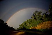 Ipatinga_MG, Brasil...Arco-iris na BR 381, entre Governador Valadares e Ipatinga...A rainbow in BR 381, between Governador Valadares and Ipatinga...Foto: LEO DRUMOND / NITRO