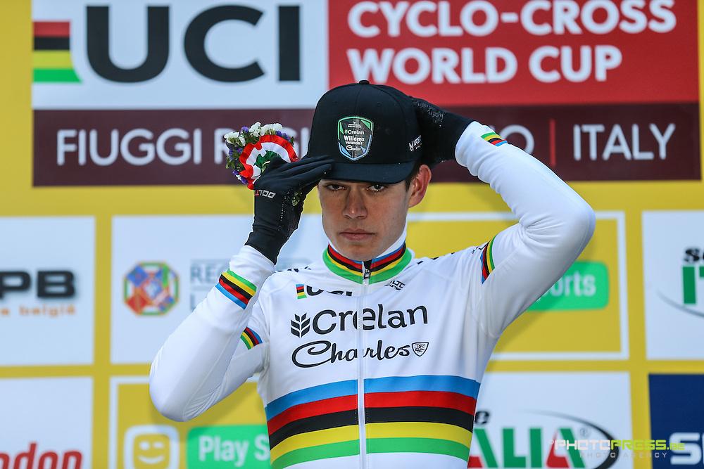 ITALY / ITALIE / FIUGGI / REGIO LAZIO / CYCLING / CYCLOCROSS / VELDRIJDEN / RADQUER / WORLD CUP #7 / WERELDBEKER #7 / COUPE DU MONDE #7 / 8TH MEMORIAL ROMANO SCOTTI / PODIUM / PODIUMCEREMONIE / VAN AERT WOUT (CRELAN - CHARLES) /