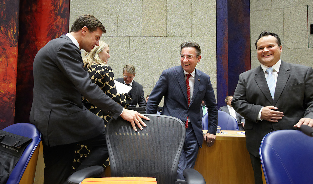 Nederland. Den Haag, 21 september 2011.<br /> Vak K voor aanvang, Rutte, Schultz, Verhagen, de Jager<br /> Eerste dag van de algemene politieke beschouwingen in de Tweede Kamer.<br /> Foto Martijn Beekman