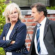 NLD/Bilthoven/20120618 - Uitvaart Will Hoebee, Saskia & Serge, Ruud Schaap en partner Trudy van den Berg