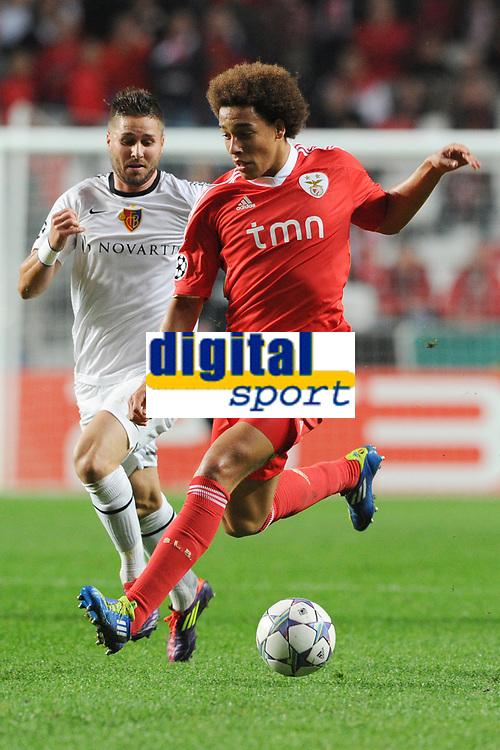 20111102: LISBON, PORTUGAL - Champions League 2011/2012 Ð Group C: SL Benfica vs FC Basel.<br />In picture: Axel Witsel and markus Steinhofer<br />PHOTO: Alexandre Pona/CITYFILES