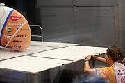 David Wielemaker bekijkt de luchtstroom op de VeloX2. Op de TU Delft wordt de VeloX2 getest in de windtunnel. Met de VeloX2 wil het Human Powered Team Delft en Amsterdam, bestaande uit studenten van de TU Delft en de VU Amsterdam, het werelduurrecord en het sprint record gaan breken.<br /> <br /> David Wielemaker is checking the aerodynamics on the VeloX2. The VeloX2 is tested on aerodynamics at the wind tunnel of TU Delft. With the VeloX2 the Human Powered Team Delft and Amsterdam are trying to break the speed records for human powered vehicles.
