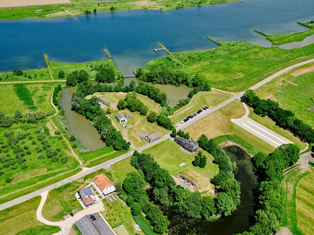 Nederland, Gelderland, Gemeente Culemborg, 27-05-2020; Werk aan het Spoelgelegen aan rivier de Lek, nabij Fort Everdingen. Onderdeel van deNieuwe Hollandse Waterlinie. <br /> Werk aan het Spoel near river Lek, part of the New Dutch Waterline.<br /> <br /> luchtfoto (toeslag op standard tarieven);<br /> aerial photo (additional fee required)<br /> copyright © 2020 foto/photo Siebe Swart