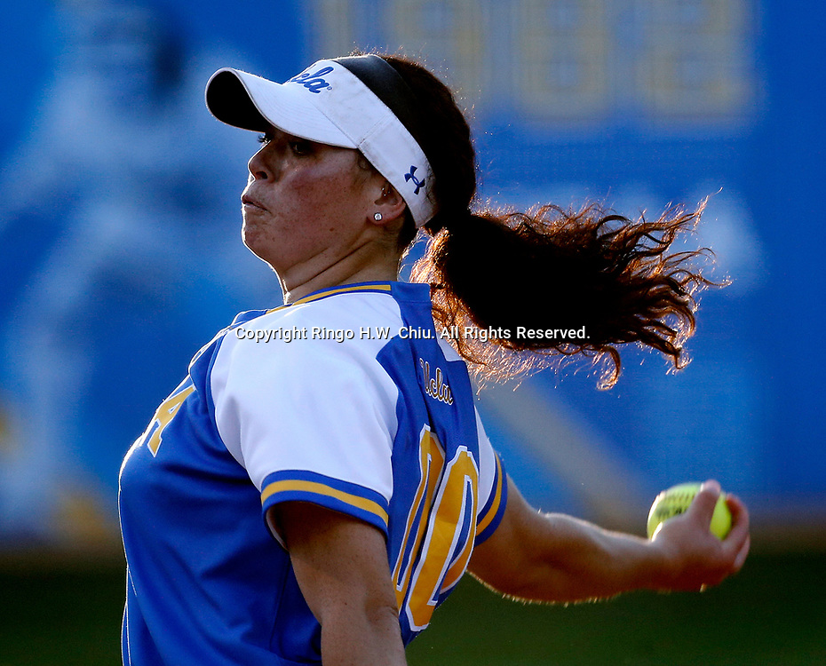 during an NCAA softball game between UCLA Bruins and Arizona Wildcats on Friday, May 25, 2018, at Easton Stadium in Los Angeles. UCLA won 3-2. (Photo by Ringo Chiu / Arizona Daily Star)