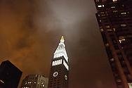 New York . New York Life insurance company building at night  / new York Life insurance company building la nuit  New York; Manhattan - Etats-unis
