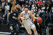 Basketball: 1. Bundesliga, Hamburg Towers - Hakro Merlins Crailsheim 91:92, Hamburg, 29.02.2020<br /> Beau Beech (Towers, r.)<br /> © Torsten Helmke