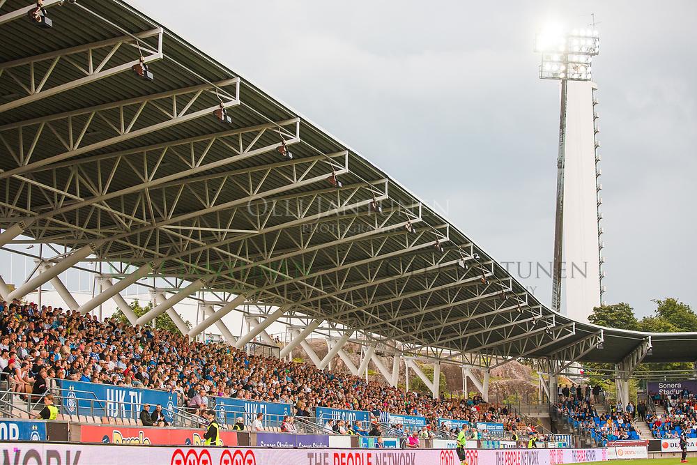 Sonera Stadiumin itäkatsomo Veikkausliigan ottelussa HJK-FC Lahti. Sonera Stadium, Helsinki, Suomi. 12.8.2015.