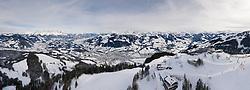 23.01.2019, Streif, Kitzbühel, AUT, Kitzbühel, Herren, Vorbericht, im Bild Panoramaansicht Hahnenkamm auf Kitzbühel mit Kitzbühlerhorn und Umgebung // Panorama view Hahnenkamm in Kitzbühel with Kitzbüheler Horn and surroundings during the preperation for the men's FIS ski alpine world cup at the Streif in Kitzbühel, Austria on 2019/01/23. EXPA Pictures © 2019, PhotoCredit: EXPA/ Johann Groder