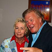 NLD/Amsterdam/20050915 - Premiere Leeftijd, Josine van Dalsum en partner John van der Rest