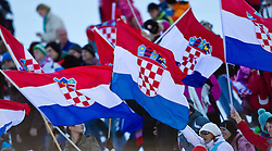 06.02.2011, Hannes-Trinkl-Strecke, Hinterstoder, AUT, FIS World Cup Ski Alpin, Men, Hinterstoder, Riesentorlauf, im Bild Feature kroatische Fhanen // Feature croatian Flags with spectors during FIS World Cup Ski Alpin, Men, Giant Slalom in Hinterstoder, Austria, February 06, 2011, EXPA Pictures © 2011, PhotoCredit: EXPA/ J. Feichter
