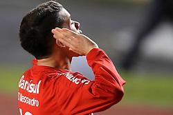 D'Alessandro comemora vitória na partida entre as equipes do São Paulo e Internacional, realizada no Estádio Morumbi, em São Paulo, válido pela Semi-final da Copa Libertadores da América 2010. FOTO: Jefferson Bernardes / Preview.com