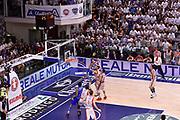 DESCRIZIONE : Sassari Lega A 2014-2015 Banco di Sardegna Sassari Grissinbon Reggio Emilia Finale Playoff Gara 6 <br /> GIOCATORE : Giacomo De Vecchi<br /> CATEGORIA : tiro ultimo tiro last shot sequenza<br /> SQUADRA : Banco di Sardegna Sassari<br /> EVENTO : Campionato Lega A 2014-2015<br /> GARA : Banco di Sardegna Sassari Grissinbon Reggio Emilia Finale Playoff Gara 6 <br /> DATA : 24/06/2015<br /> SPORT : Pallacanestro<br /> AUTORE : Agenzia Ciamillo-Castoria/GiulioCiamillo<br /> GALLERIA : Lega Basket A 2014-2015<br /> FOTONOTIZIA : Sassari Lega A 2014-2015 Banco di Sardegna Sassari Grissinbon Reggio Emilia Finale Playoff Gara 6<br /> PREDEFINITA :