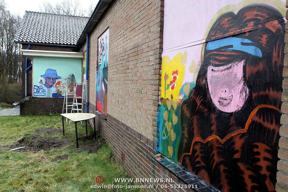 NLD/Laren/20080401 - Asielzoekerscentrum Crailo Stichting de Vrolijkheid festiviteiten met Birgit Schuurman