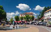Mikołajki, żeglarska stolica Polski. Centrum miasta - rynek.