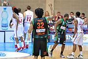 DESCRIZIONE : Final Eight Coppa Italia 2015 Desio Quarti di Finale Olimpia EA7 Emporio Armani Milano - Sidigas Scandone Avellino <br /> GIOCATORE : Harper Justin<br /> CATEGORIA : Esultanza<br /> SQUADRA : Sidigas Scardone Avellino<br /> EVENTO : Final Eight Coppa Italia 2015 Desio <br /> GARA : Olimpia EA7 Emporio Armani Milano - Sidigas Scandone Avellino <br /> DATA : 20/02/2015 <br /> SPORT : Pallacanestro <br /> AUTORE : Agenzia Ciamillo-Castoria/I.Mancini