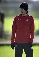 Photo: Paul Thomas.<br />Manchester United training session. UEFA Champions League. 06/03/2007.<br />Man Utd's Park Ji-Sung during training.