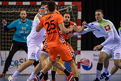 11-04-2019 NED: Netherlands - Slovenia, Almere<br /> Third match 2020 men European Championship Qualifiers in Topsportcentrum in Almere. Slovenia win 26-27 / Ivo Steins #17 of Netherlands