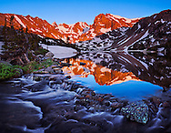 Don't miss the most magical season for photography in Rocky Mountain National Park - Join Rhapsody in Light for an unforgettable winter photography adventure!