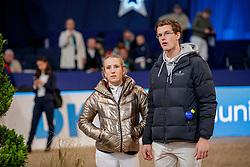 BORMANN Finja (GER), LAHDE Harm (GER)<br /> München - Munich Indoors 2019<br /> Impressionen am Rande<br /> CSI4* - Championat der Deutsche Vermögensberatung AG -DVAG (Große Tour)<br /> Springprüfung mit Stechen, international<br /> Höhe: 1.50m<br /> 23. November 2019<br /> © www.sportfotos-lafrentz.de/Stefan Lafrentz