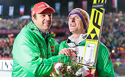 29.12.2015, Schattenbergschanze, Oberstdorf, GER, FIS Weltcup Ski Sprung, Vierschanzentournee, Siegerehrung, im Bild f.l.: Cheftrainer Werner Schuster (GER) gratuliert Sieger Severin Freund (GER) // f.l.: Austrian Headcoach Werner Schuster of Germany congrats to Winner Severin Freund of Germany celebrates during Award ceremony of Four Hills Tournament of FIS Ski Jumping World Cup at the Schattenbergschanze, Oberstdorf, Germany on 2015/12/29. EXPA Pictures © 2015, PhotoCredit: EXPA/ JFK