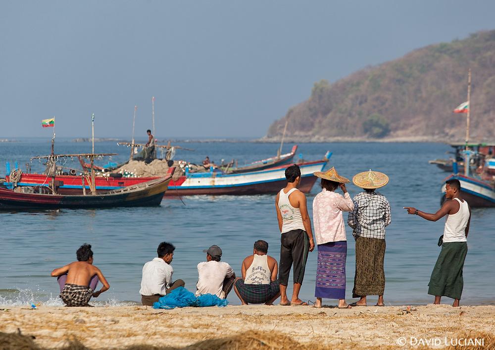 Locals at Ngapali Beach near Gyeiktaw Village.