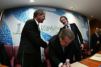 """PORTUGAL - LISBOA 26 NOVEMBER 2004:  LARS-CRISTER OLSSON (L), UEFA CEO and JOSE DIAS DA CUNHA (R), Sporting CP president, in the official presentation of the UEFA CUP FINAL 2005 to be held in """"Alvalade XXI"""" home of the Lisbon squad Sporting CP, that is participating this year on the UEFA Cup. The presentation was held in the new building of the Portuguese Soccer Federation,  26/11/2004  11:51:25<br />(PHOTO BY: NUNO ALEGRIA/AFCD)<br /><br />PORTUGAL OUT, PARTNER COUNTRY ONLY, ARCHIVE OUT, EDITORIAL USE ONLY, CREDIT LINE IS MANDATORY AFCD-PHOTO AGENCY 2004 © ALL RIGHTS RESERVED"""